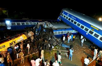 मुजफ्फरनगर रेल हादसा: लापरवाही ने ले ली 23 लोगों की जान, करीब 100 घायल