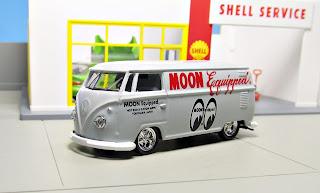 "M2 Machines Mooneyes ""Moon Equipped"" 1960 VW Delivery Van"