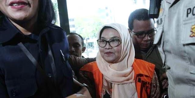Keluar dari Penjara, Ini Pernyataan Siti Fadilah yang Bikin Heboh Soal Corona