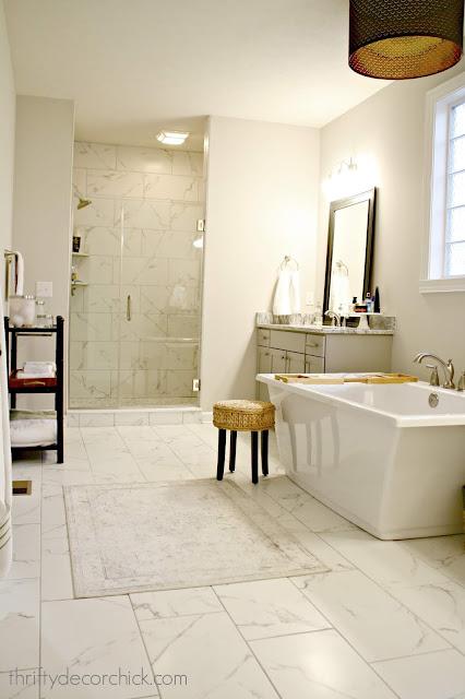 Stand alone tub marble bathroom