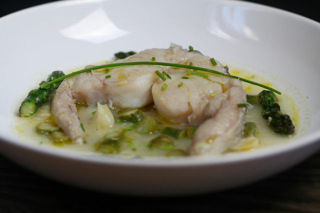 Cogote de Merluza en Salsa Verde de Trigueros