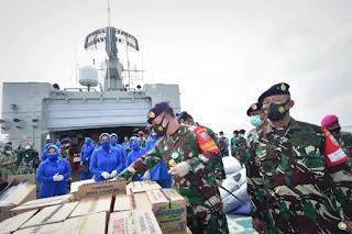 TNI-AL Kerahkan KRI OWA 354 Kirim Bantuan Ke Mamuju Sulawesi