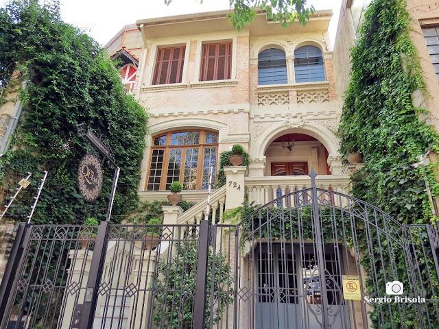 Vista ampla do antigo casarão da Casa Quena - Bela Vista - São Paulo