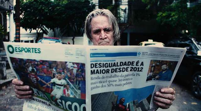"""Após estrear pelo selo Astronauta com a faixa inédita """"Quarentena"""", o cantor e compositor carioca Arthus Fochi revela """"Cinema Nacional""""."""