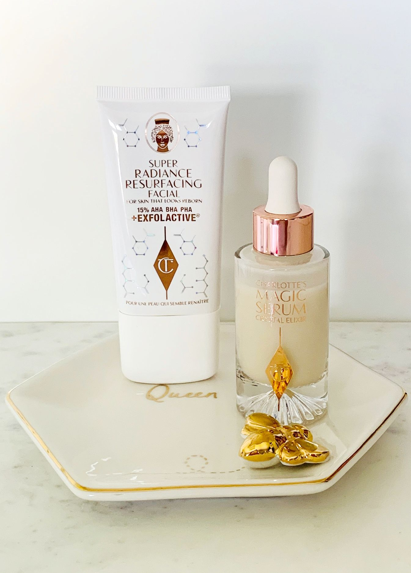 Charlotte Tilbury Super Radiance Resurfacing Facial Review,  Magic Serum Crystal Elixir Review