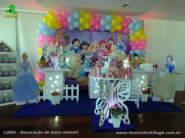 Decoração infantil Princesas da Disney para festa de aniversário feminino - Provençal simples