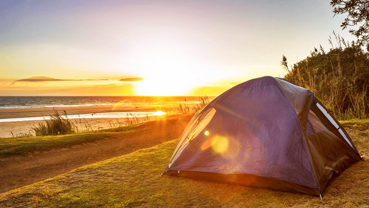 Senarai Barangan Asas Camping Harga Bawah RM100!
