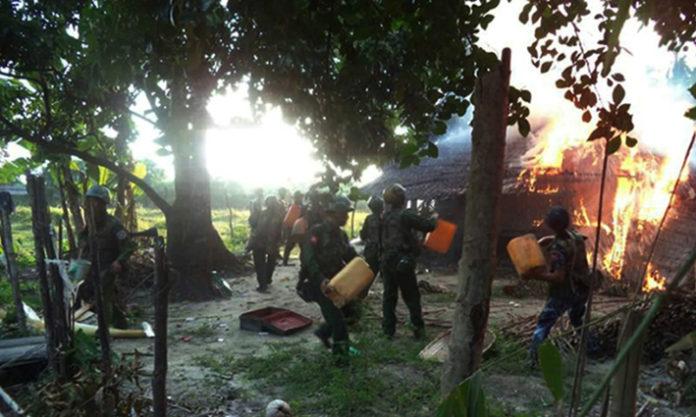 Warga Rohingya : Militer Rakhine dan Ekstremis Bunuh dan Bakar Warga