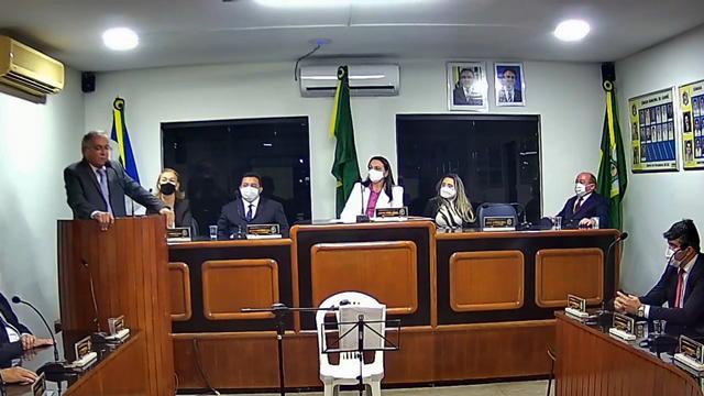 Realizada a cerimônia de posse do prefeito Antônio Martins, vice-prefeito Nery Neto e dos 11 vereadores; Virgina Souza é eleita presidente da Mesa Diretora da Câmara Municipal de Cariré-CE