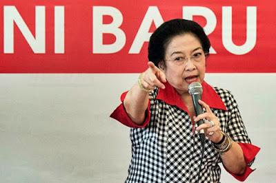 Megawati Disebut Otak dibalik RUU HIP, #MakzulkanJKWBubarkanPDIP Langsung Trending
