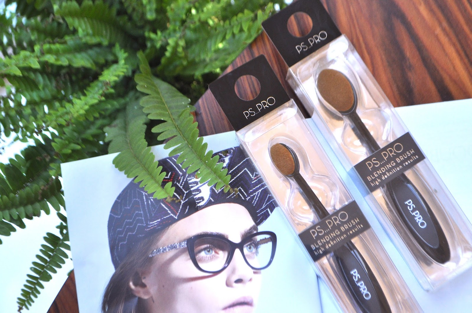 e7c65d057cc MEGA MAKEUP BRUSH DUPING! WOOOHOOO! PRIMARK PS PRO OVAL BLENDING BRUSH  REVIEW.