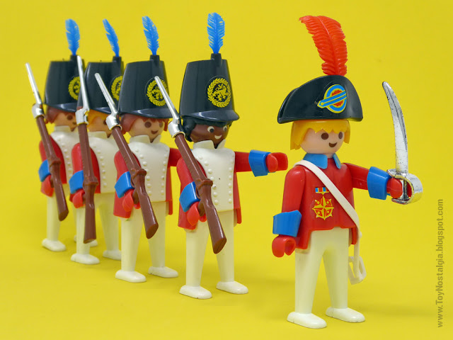 Playmobil 3544, red coats marching in  (Playmobil 3544 - redcoats)