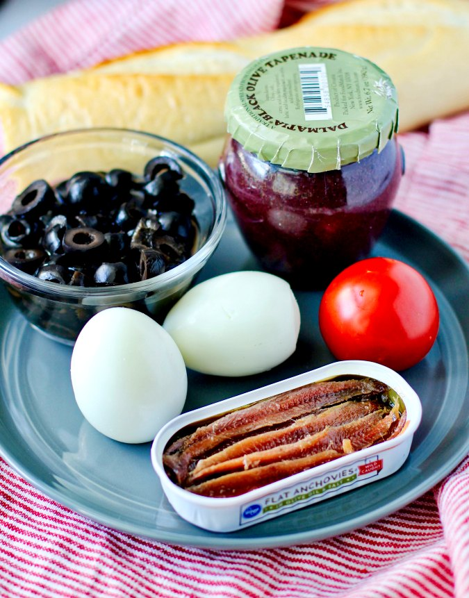 Egg and tapenade toasts ingredients