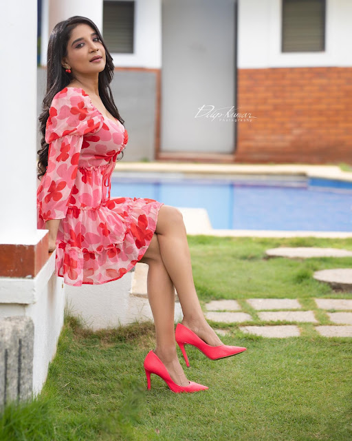 Actress Sakshi Agarwal Latest Hot Pictures in Floral Skirt Actress Trend