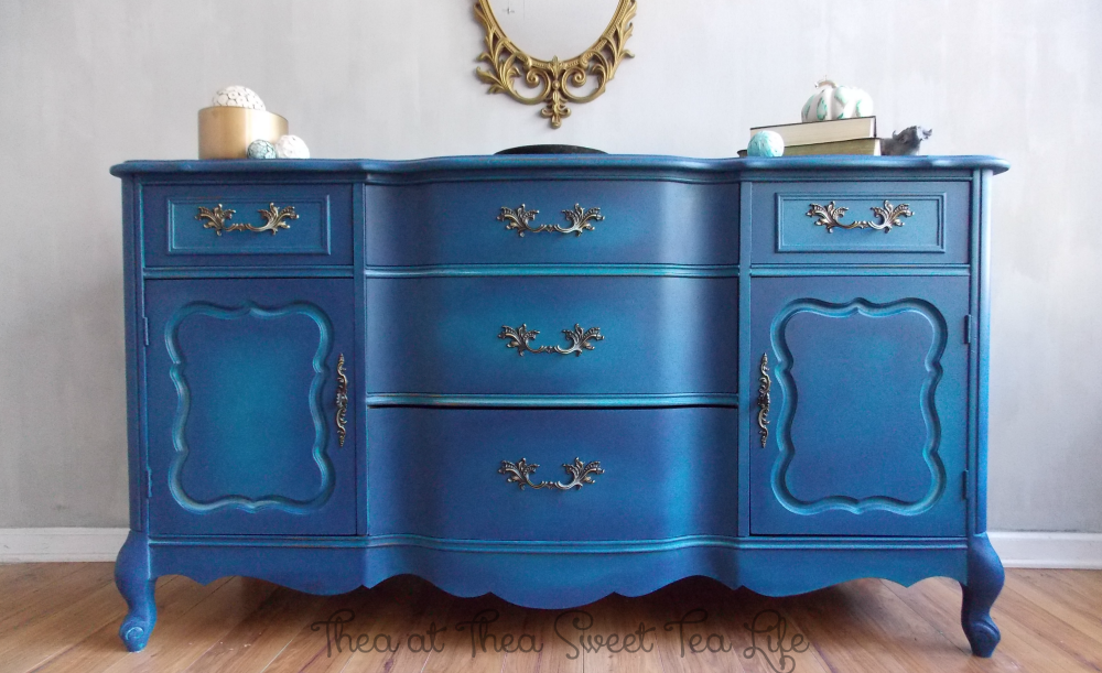 How to Create a non- Bermuda Blending -actually blended Paint Furniture Finish Blue Painted Furniture: Your Blended Paint Inspiration by That Sweet Tea Life | Shaded Furniture| How to create a blended Paint Furniture Finish | Blended Painted Furniture Ideas | Furniture Painting Tips | How to paint Furniture | Blending Blue Furniture Makeover | Layered Paint | Blended Painting | Dresser Makeover | Furniture DIY | #paintblending | #blendedpaintfinish | #blendedfurniturepaint