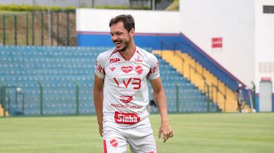 Após parabenizar Remo pelo acesso, torcida do leão pede volante Yuri do Vila Nova, para a temporada 2021