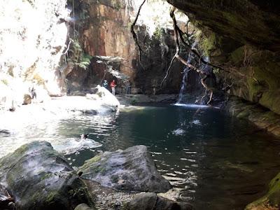 piscina-natural-cascada-de-las-ninfas-parque-nacional-isalo-madagascar-enlacima