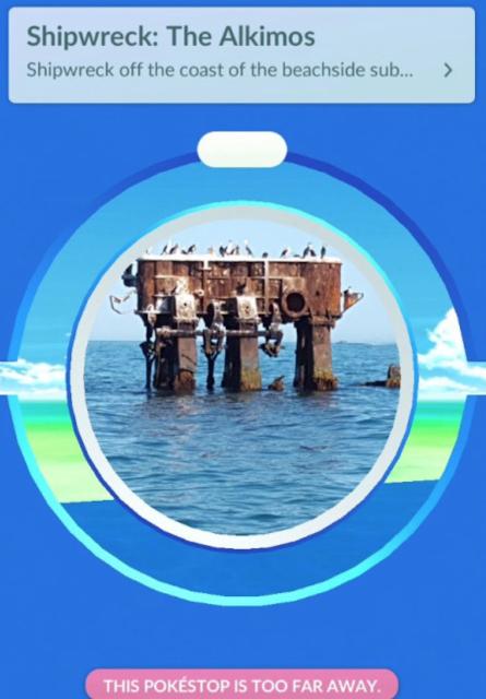 Jugador encuentra y utiliza pokeparada inaccesible en mitad del mar