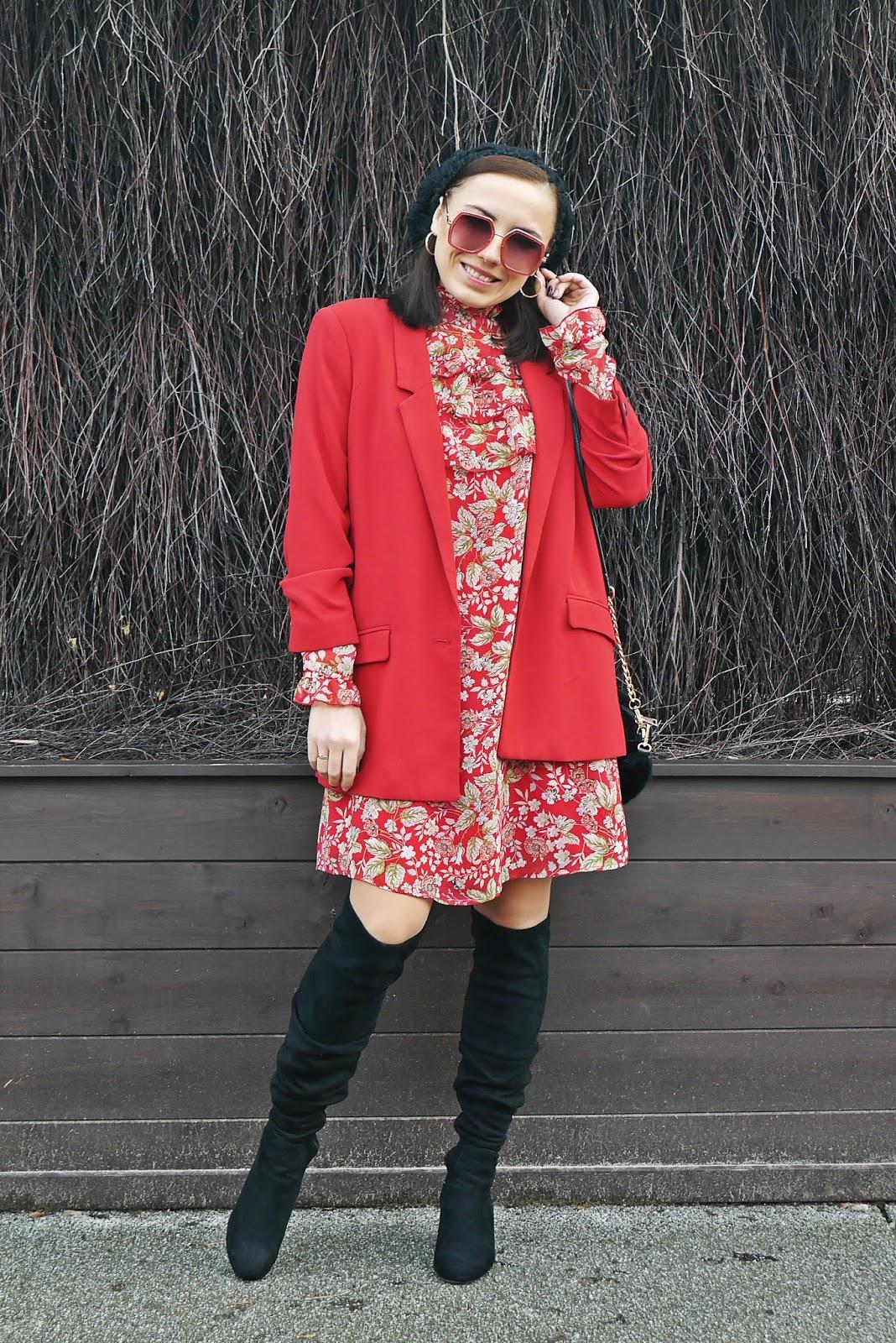 6_czerwona_szyfonowa_sukienka_w_kwiaty_bonprix_czarne_kozaki_za_kolano_renee_beret_okulary_karyn_blog_modowy_stylizacja_blogerka_modowa_pulawy_150120