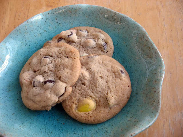 Chocolate Chip Easter Egg Cookies by freshfromthe.com