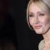 J. K. Rowling escreve as razões de ter falado sobre sexualidade e questões de gênero