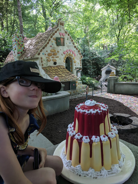 Photos from the Fairytale Forest at Efteling  - real cake smells at hansel and grettel