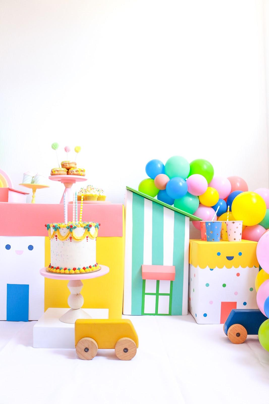 CENARIO FESTA INFANTIL COM PAPELAO E BALOES COLORIDOS BLOG DO MATH