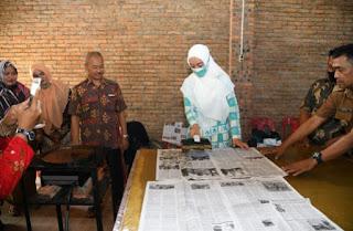 Ketua Dekranasda Batu Bara Hadiri Pelatihan Batik Dan Serahkan Bantuan Peralatan