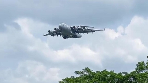 Pesawat Jumbo Militer AS Mendarat di Pekanbaru, Ada Apa?
