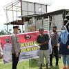 Kapolres Takalar,  Serahkan Bantuan Kepada Korban Angin Puting Beliung