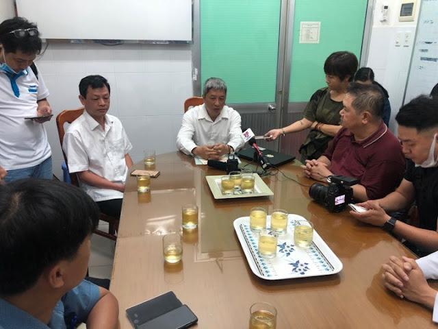 Thứ trưởng Bộ Y tế Nguyễn Trường Sơn kiểm tra công tác phòng dịch nCoV