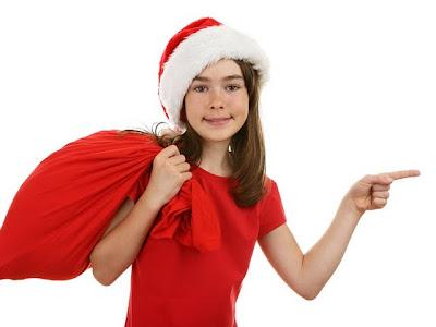 santa-beauty--beaufitul-santa-girls-in-christmas-santa-girl-picture---a-girl-in-santa-costume-holding-a-santa-bag