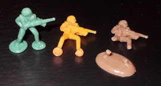 25mm Space Figures, 25th Century, Board Game, Boardgame Pieces, Buck Rogers, Buck Rogers In The 26th Century, Human Troopers, Plastic Figurines, Plastic Toy Figures, Plastic Toys, Sci Fi Figurines, Science Fiction Figures, TSR Games, TSR Inc., Small Scale World, smallscaleworld.blogspot.com,