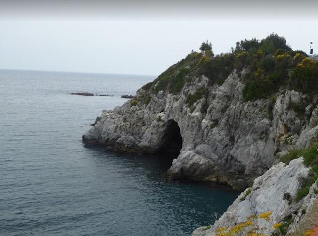 la grotta di bergeggi