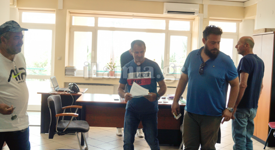 Διαμαρτυρία αγροτών στα γραφεία του ΕΛΓΑ στην Λαμία