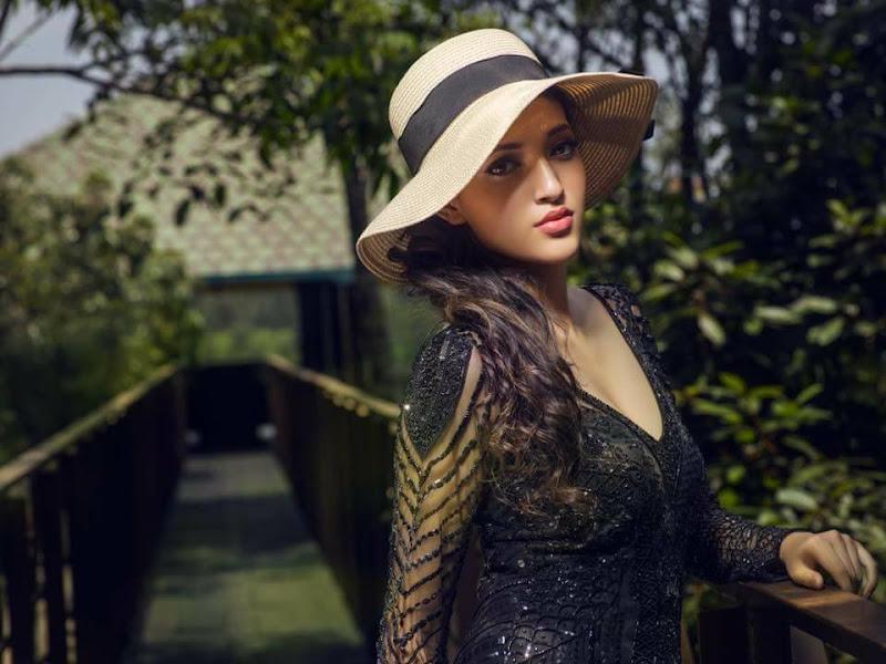 Actress Neha Shetty Hot Photoshoot 2017