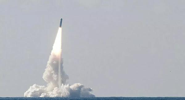 Un missile M51 tiré par l'armée depuis Biscarrosse