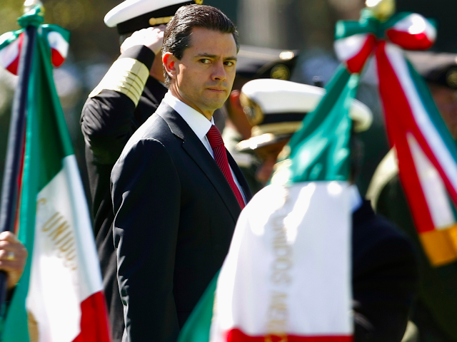 #HumanRights,#TrueNews :Mexico spying on journalists and activists via SMS malware on their smartphones.