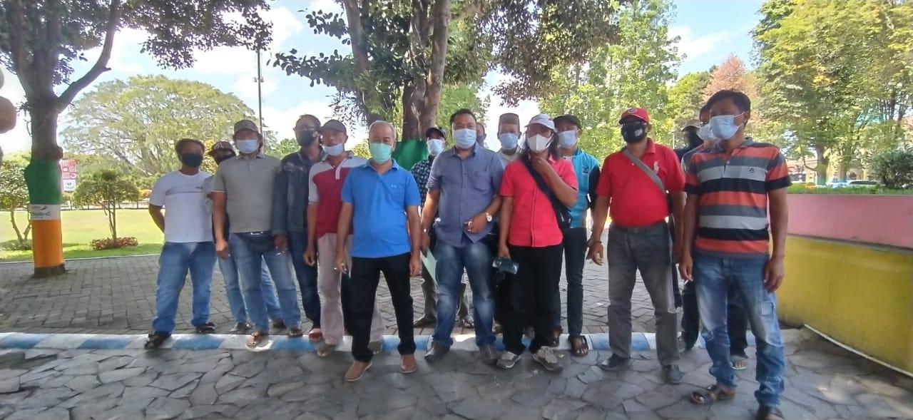 Diduga Jadi Korban Penggelapan, 'Laskar Pelangi' Mengadu ke Polres Lumajang