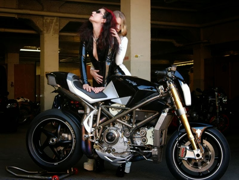 Dirt Bike Wallpaper Girls Mercenary Garage Streetfighter