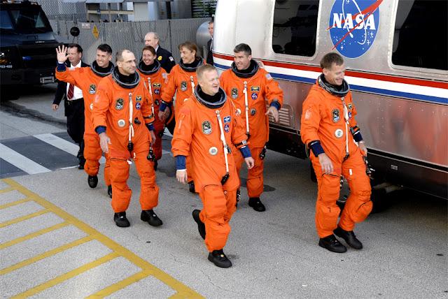 ACES - traje espacial