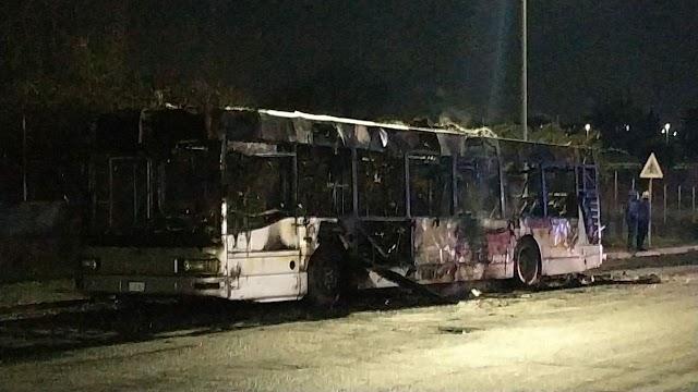 Atac, bus in fiamme sulla linea 506