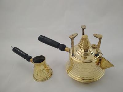 سبرتاية صانعة القهوة التركية مع ركوة منقوشة صناعة يدوية