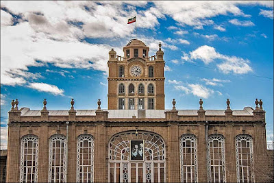 Of all the iconic clock towers in Iran, Tabriz Clock tower is perhaps the most famous which is located in the middle of the city. The mansion, also known as Tabriz Municipality Palace, was built by order of King Reza Pahlavi, under the supervision of German engineers, at the site of the abandoned and ruined district of Nobar in the year 1936.