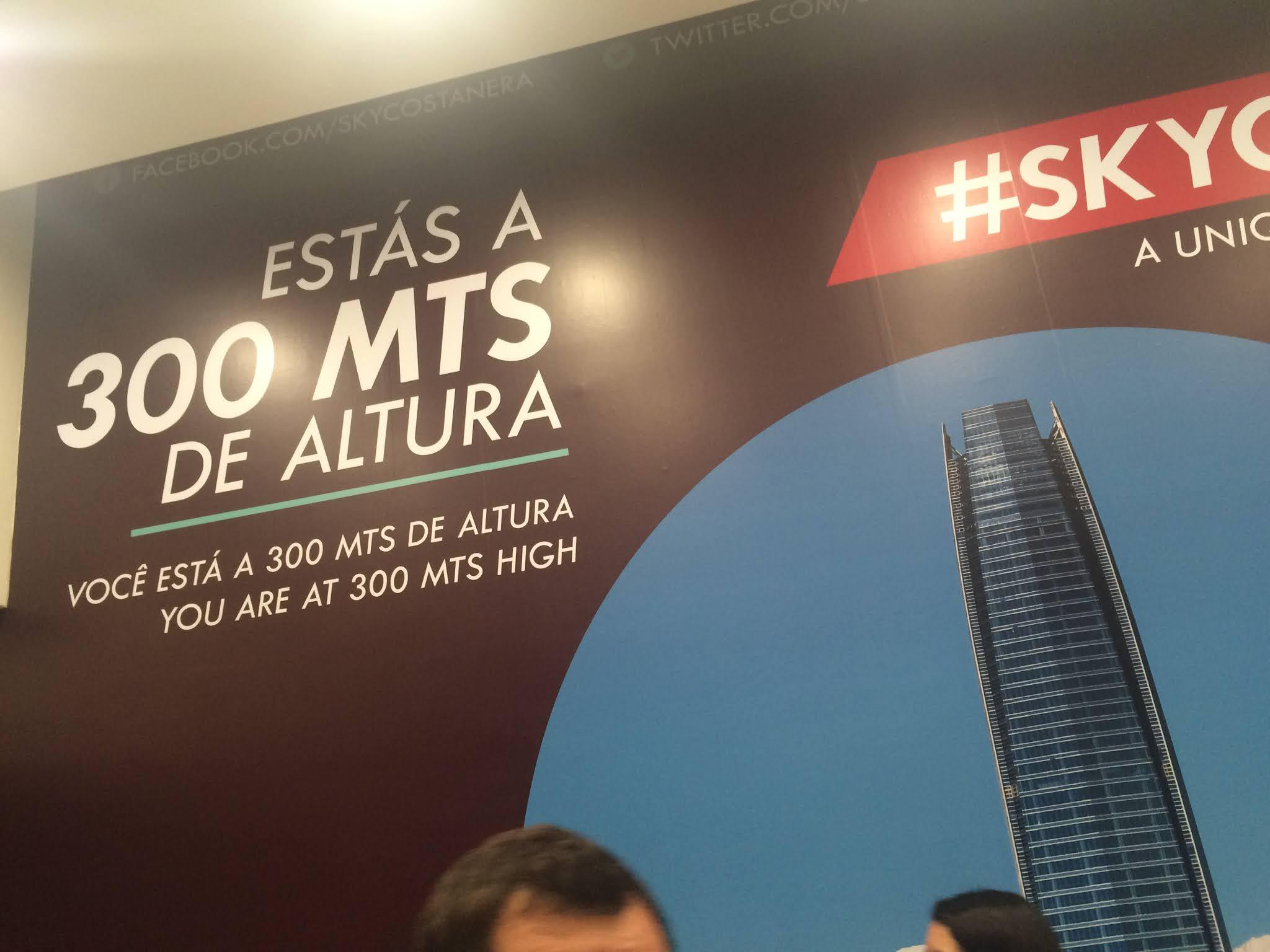 300 metros de altura Sky Costanera