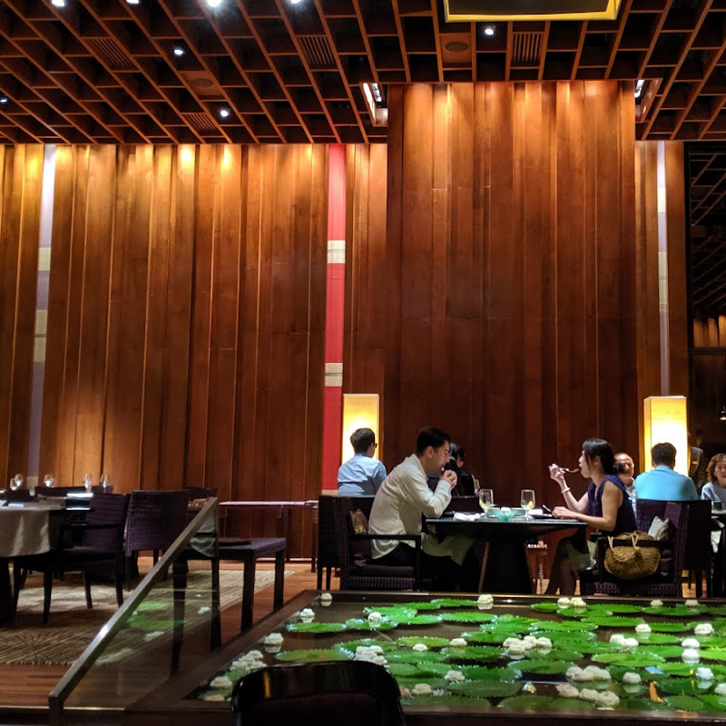 曼谷創意泰式餐廳「Sra Bua by Kiin Kiin」