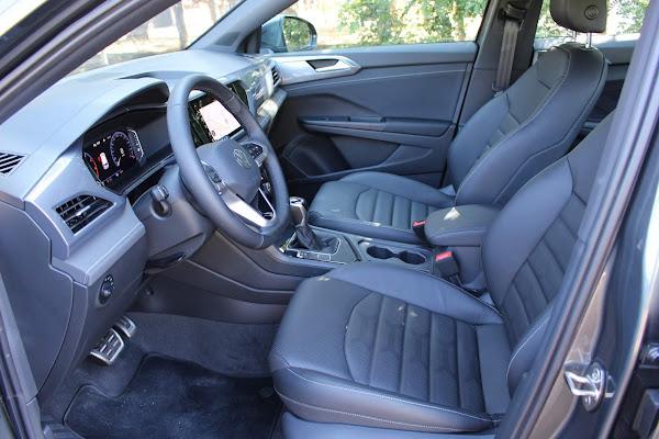 Volkswagen Taos 250 TSI Highline - interior