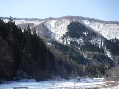 好天気で山の景色が美しい