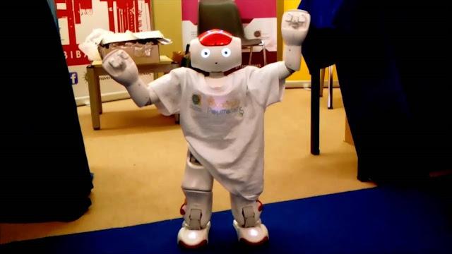 Ρομπότ… μιλά και χορεύει Ποντιακά (Video)