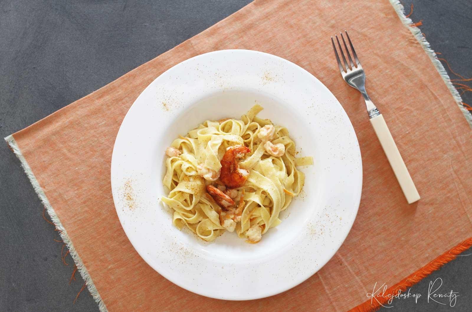 Tagliatelle z pomarańczą i krewetkami – najlepszy przepis na makaron z krewetkami!